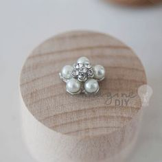 Boston Pearl Tiny. Small pearl embellishment for DIY wedding stationery and invitations.