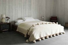 Manta de pom pom marroquí, colcha, tiro, alfombra, 100% pura lana, tejida a mano en telares de madera tradicionales. (WL078)