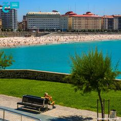 ¿Planes de #playa para hoy? ☀ 🌊  #VisitaCoruña #ACoruña Orzo, Spain, Outdoor Decor, Home Decor, Walks, Cities, Beach, Places, Pictures