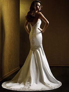 Gorgeous wedding gown and silhouette! Love the beading!