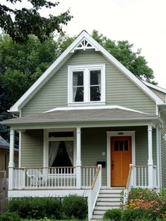 american heritage, exterior color scheme House Paint Exterior, Exterior House Colors, Exterior Design, Exterior Siding, Cute Small Houses, Tiny Houses, Small Cottages, Cute Little Houses, Small Cabins