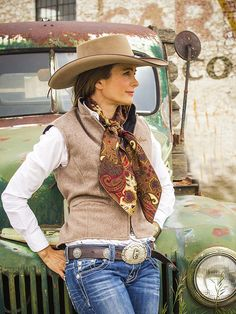 Cowgirl Wool Vest Schaefers Cheyenne Vest for Brit West Cowgirl Style Outfits, Country Girls Outfits, Country Girl Style, Cowgirl Chic, Western Chic, Western Outfits, Cowgirl Fashion, Cowgirl Clothing, Gypsy Cowgirl