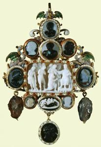 Pendant with thirteen cameos. Early 17th century. French. Gold, émail en ronde bosse, émail champlevé, sardonyx, turquoise, black and white onyx, sard, brown and grey agate, black and grey agate, niccolo:Documented in the Royal Collection before 1755. The Royal Collection © 2012,  Gold openwork pendant with opaque white and middle-blue enamel foliate scrolls and two dragons on cornucopiae in opaque mauve, translucent green and opaque pale-blue émail en ronde bosse.