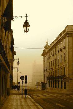 Lisboa mística e charmosa, assim é a cidade da paixão. This is the city of passion, the mystical and charmeuse Lisbon.