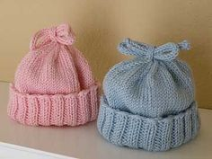Such a cute knit hat pattern and perfect for beginners, an easy knitting pattern. Knitted Baby Clothes, Baby Hats Knitting, Crochet Baby Hats, Knitting For Kids, Knit Or Crochet, Free Knitting, Knitted Hats, Free Crochet, Simple Knitting
