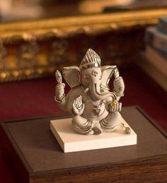 My frnd ganesha tu rahna saath mere hamesha:-) Lord Ganesha, Lord Shiva, Ganesh Idol, Ganesh Statue, Shree Ganesh, Ganpati Bappa, Hanuman, Art Of Living, Creative Crafts