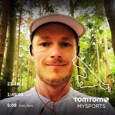 De dag begonnen met een lekker lang stukje lopen! De laatste twee kilometers kwam de regen met bakken uit de lucht. Kwam thuis alsof ik had meegedaan met een #mrwettshirtcontest!  heerlijk stuk door de bossen gelopen! Laatste stuk gewoon over de verharde weg. Ben nu klaar voor de halve marathon van Amersfoort! #marathonamersfoort #halvemarathon #halfmarathon #nevernotrunning #running #runnershigh #runnerslife #road2amersfoort #hardlopen #runners #runningaddict by runningreneetje