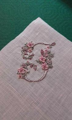 brazilian embroidery for beginners brazilian embroidery for beginners Hand Embroidery Flowers, Embroidery Patterns Free, Silk Ribbon Embroidery, Embroidery For Beginners, Embroidery Designs, Embroidery Kits, Brazilian Embroidery Stitches, Hand Embroidery Stitches, Embroidery Needles