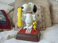 A Junkee Shoppe Junk Market Stop: SNOOPY WOOD STOCK Push button Telephone Copyright 1976  ... For Sale Click Link Here To View >>>> http://ajunkeeshoppe.blogspot.com/2015/12/snoopy-wood-stock-push-button-telephone.html