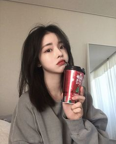 Find images and videos about korean, ulzzang and asian girl on We Heart It - the app to get lost in what you love. Pretty Korean Girls, Korean Beauty Girls, Cute Korean Girl, Asian Beauty, Asian Girl, Medium Hair Styles, Short Hair Styles, Japonese Girl, Korean Girl Photo
