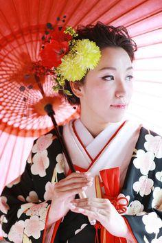 Photo:Yoshiyasu Shiba Hair&Make-up:Masumi Ishihara Flower:Happias Wedding Kimono:Bridal core ANADA Art Direction:Happias Wedding Producer:Hiroyuki Matsuura