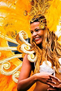 When I think of Brazil- the first thing I think of is Carnival, beautiful costumes, bright colors, dancing all night & Carioca. Costume Carnaval, Samba Costume, Carnival Costumes, Carnival Inspiration, Scenery Pictures, Rio Carnival, Beautiful Costumes, People Of The World, Showgirls