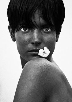 Herb Ritts, Stephanie with Flower, Los Angeles, 1989 © Herb Ritts Foundation