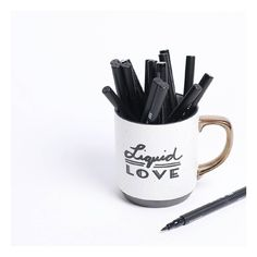 """Liquid Love || Coffee & liquid eyeliner...what else does a doll need? #happymonday #prettysmart #makeup #mondays"""