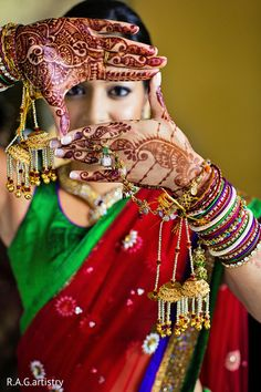 An Indian bride gets glammed up for her wedding day!