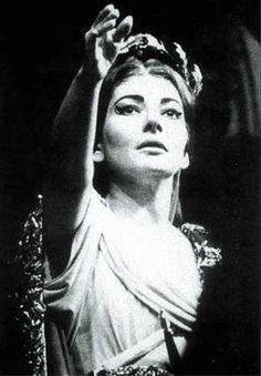 A great opera singer Maria Callas Maria Callas, Bert Stern, Robert Mapplethorpe, Annie Leibovitz, Classical Opera, Classical Music, Richard Avedon, Bellini, Andy Warhol