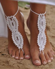Perfect for my beach wedding i will have one day! -Crochet Bridal Barefoot Sandal Feet Jewelry