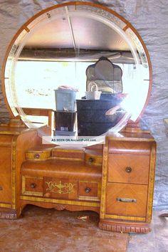 vintage_art_deco_waterfall_vanity_dresser_unique_detailed_w_stool___a_must_see_8_lgw.jpg (1066×1600)