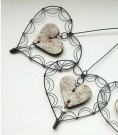 Reuse Some Wire To Create Beautiful And Adorable Handmade Ornaments