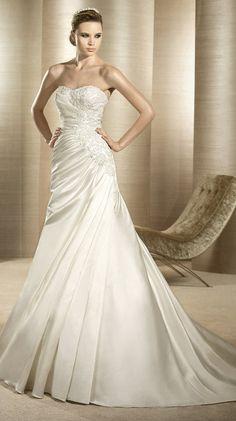 OPORTO / Bridal Gowns / 2012 Collection / Avenue Diagonal