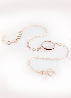 delicate and feminine, this lovely #gemstone #bracelet is perfect for everyday wear I NEWONE-SHOP.COM
