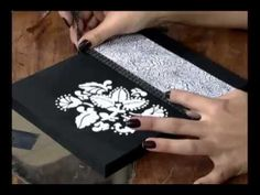 ▶ Caixa com papel textura e molde vazado - YouTube