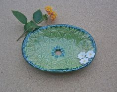 Green soap dish with white daisy flowers by BlueButterflyCrafts