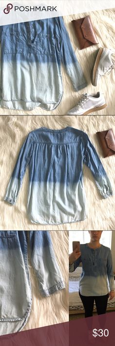 """✨SALE✨Ombré Chambray Top Super cool ombré chambray top. Bought at Anthopologie. Brand on tag is cloth & stone. Size is xs but it's loose fitting and should fit a small. Good used condition. Measures 19"""" underarm to underarm and 25"""" in length in front and 28"""" in back. 100% tencel. Ask any questions! Anthropologie Tops"""