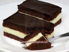 Augsburgi túrós szelet • Recept | szakacsreceptek.hu Torte Cake, Hungarian Recipes, Cake Cookies, Tiramisu, Dessert Recipes, Food And Drink, Yummy Food, Sweets, Ethnic Recipes