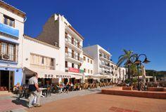 #Moraira terrasjes van diverse restaurants en bar´s, vlak bij de haven, tegenover de Lonja ( visafslag) aan de Calle del Mar. Informatie Moraira : http://www.xenofilia.com/moraira.htm