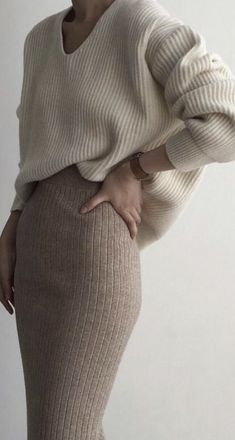 Wool pencil skirt with cosy jumper