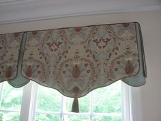 Board Mounted Shaped Valance