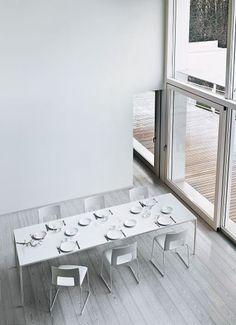25, tavolo con piano di 25 mm di spessore di Desalto | lartdevivre - arredamento online
