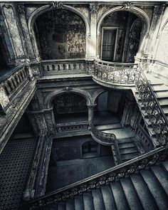 """✴ Please take some time to check their gallery to See more nice…"""" Abandoned Buildings, Abandoned Mansion For Sale, Abandoned Mansions, Old Buildings, Abandoned Places, Mansions Homes, Beautiful Architecture, Beautiful Buildings, Beautiful Places"""