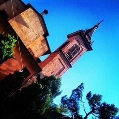 Buongiorno a tutti! Inauguriamo la settimana dando il benvenuto a @frap87 photoreporter della settimana! E iniziamo con una vista della Chiesa Ortodossa San Basilio il Grande, Via del Pratello. Buon inizio di settimana a tutti! - @twiperbole- #webstagram