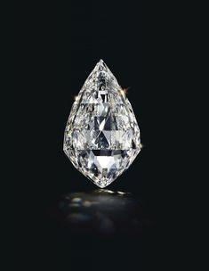 Diamant briolette D-Color Flawless de carats 😍😍😍😍 Bling, Diamond Pendant Necklace, Necklace Set, Diamond Jewellery, Dangle Earrings, Rocks And Gems, Crown Jewels, Gems And Minerals, Silver Diamonds
