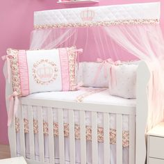 Kit Berço Realeza Floral Drapeado Baby Bedding Sets, Baby Nursery Bedding, Girl Decor, Baby Decor, Beatrix Potter Nursery, Kit Bebe, Baby Kit, Nursery Furniture, Baby Quilts