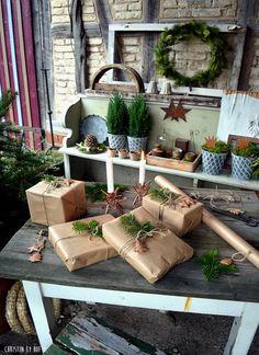 Geschenke verpacken, Geschenkverpackung, Weihnachtsdekoration
