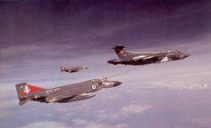 Blackburn Buccaneer refueling an Fleet Air Arm F-4K.