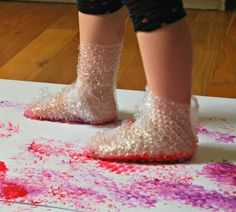 21 sensory activities for children with autism - TGIF - this grandma makes fun . Toddler Learning Activities, Art Activities For Kids, Infant Activities, Kids Learning, Art For Kids, Learning Games, Indoor Activities, Summer Activities, Toddler Art