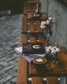 7 Tips for Making Great Iced Coffee – Espresso Shots Coffee Is Life, I Love Coffee, Coffee Break, Morning Coffee, Black Coffee, Coffee Cafe, Iced Coffee, Coffee Drinks, Honey Coffee
