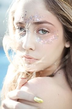 . Fancy Makeup, Makeup Looks, Makeup Inspiration, Character Inspiration, Makeup Inspo, Nymph Costume, Festival Makeup Glitter, Fantasy Make Up, Water Nymphs