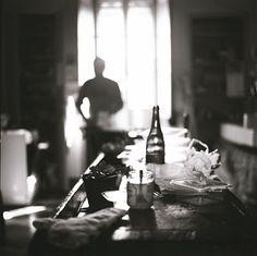 L'intervista del 2012 rilasciata a Enrico Prada per La Compagnia dei Fotografi. Coffee Maker, Kitchen Appliances, Prada, Culture, Fotografia, Coffee Maker Machine, Diy Kitchen Appliances, Coffee Percolator, Home Appliances