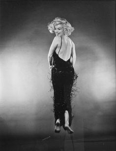 marilynmonroevideoarchives:Marilyn Monroe JUMP 1959.Taken byPhilippe Halsman