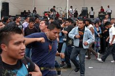 Nezahualcóyotl, Méx. 24 Abril 2013. Rockeros en la Explanada Municipal de Neza.