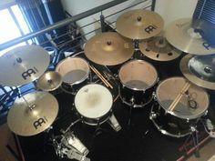 Drums Studio, Camry Se, Drummer Boy, Drum Kits, Music Stuff, Music Instruments, Guitar, Weapon, Lab Coats
