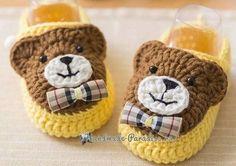 New Crochet Patterns Baby Boots Free Knitting Ideas Crochet Baby Boots, Knitted Booties, Crochet Teddy, Crochet Baby Clothes, Crochet Slippers, Baby Booties, Crochet Shoes, Crochet Pig, Baby Shoes Pattern