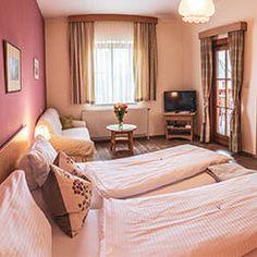Wachau Inside   Tipps & Empfehlungen   Übernachten Bed, Table, Furniture, Home Decor, Tips, Decoration Home, Stream Bed, Room Decor, Tables