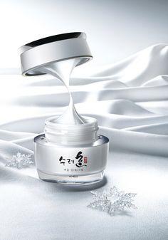 Beauty Ad, Luxury Beauty, Beauty Skin, Bottle Drawing, Drugstore Skincare, Cosmetic Design, Beauty Cream, Cosmetics & Perfume, Beauty Photography