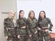 Kpop Girl Groups, Korean Girl Groups, Kpop Girls, Mamamoo Solar, J Pop, Btob, Divas, Rapper, Wheein Mamamoo